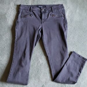 EUC Jordache Sz 10 dark gray skinny jeans